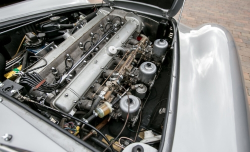 Aston Martin DB6 XYY575F