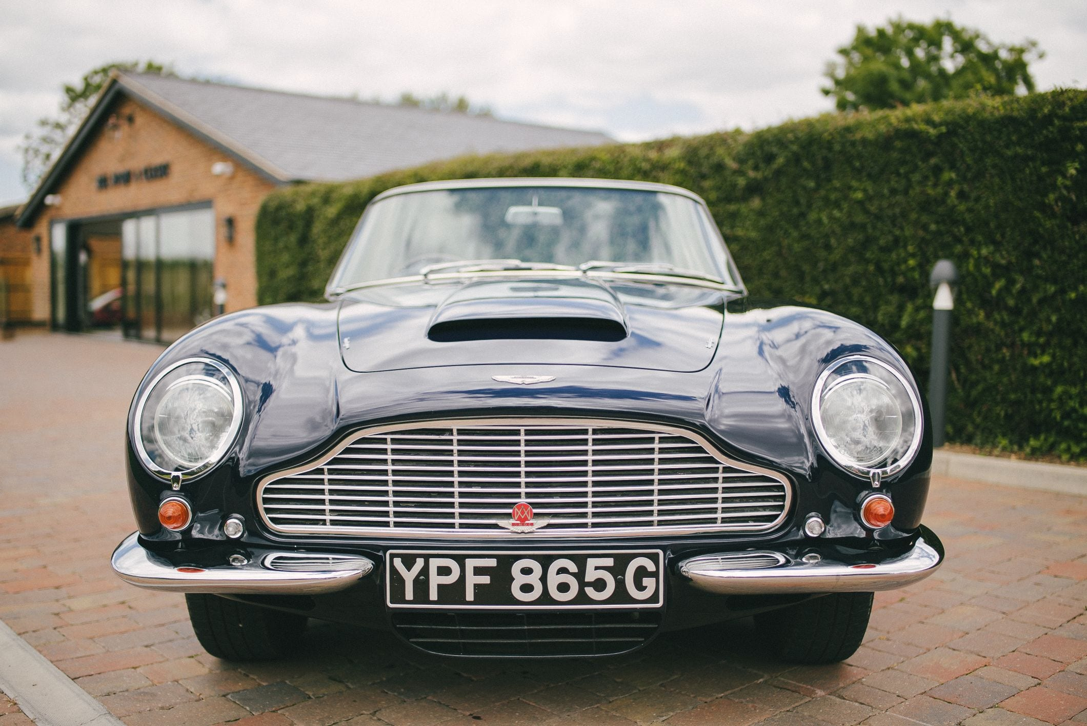 Buy A Beautiful 1968 Aston Martin Db6 Volante At Bell Sport And Classic